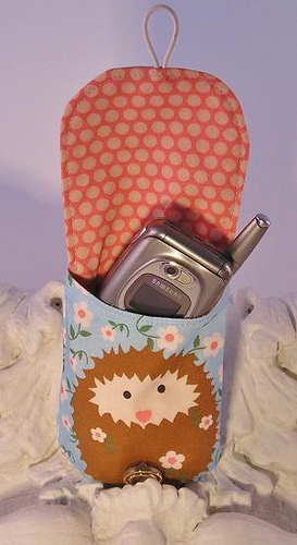 'missie hedgie' cell phone bag